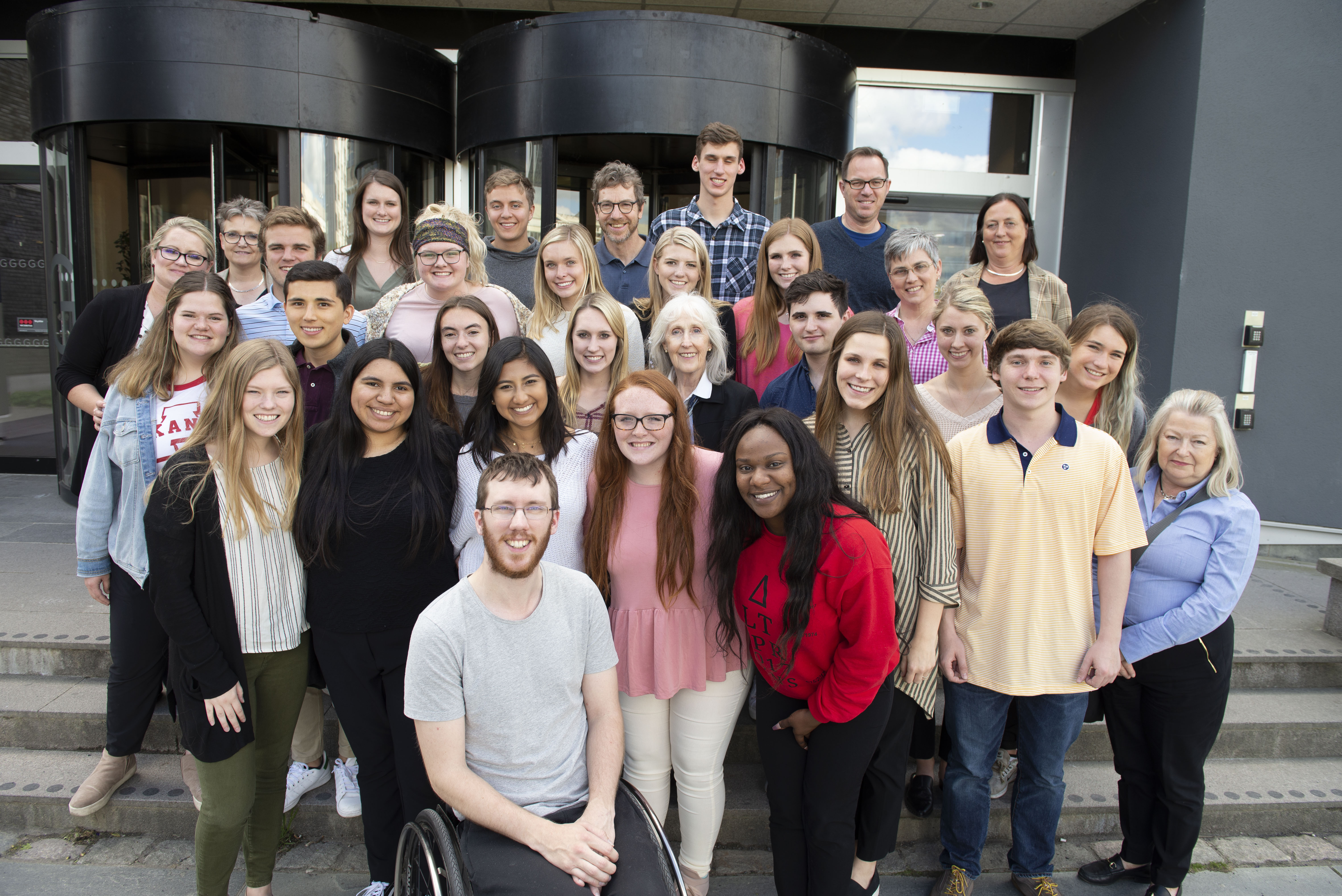 Twenty-two students and eight teachers and researchers from the University of Arkansas visited the School of Health and Welfare for two weeks in May. Christoffer Wadman, teaching assistant at the School of Engineering, told the American guests about his experience with the Swedish healthcare system.