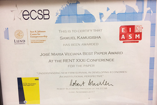 Jose Maria Veciana Best Paper Award diploma close up